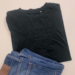 GUESS jeans black logo tee shirt embroidered M
